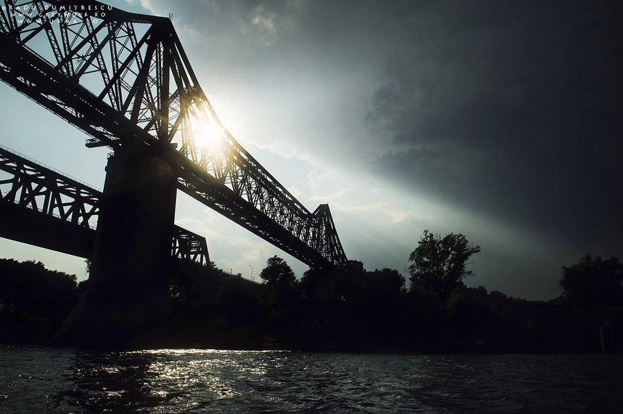Podul Anghel Saligny (Cernavodă) văzut de pe Dunăre