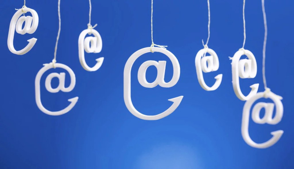 Operators of phishing campaigns increased number of emails allegedly from delivery services
