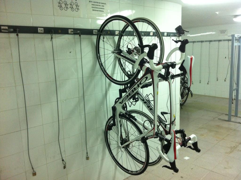 Räder platzsparend aufhängen