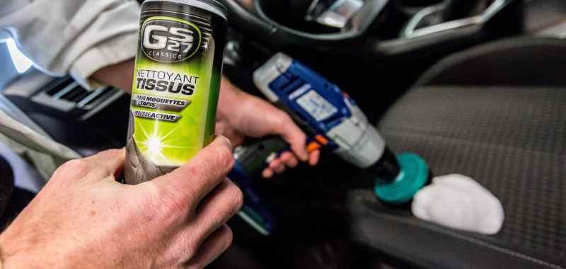 Comment nettoyer les sièges et tapis de sa voiture?