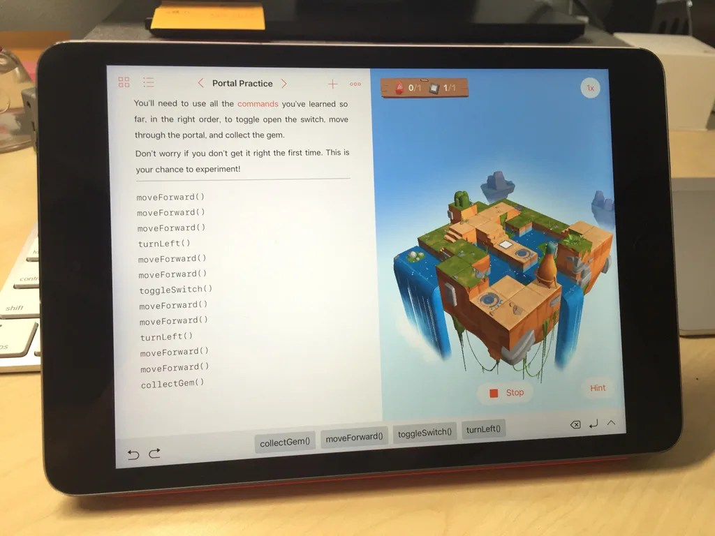 iPad mini 2で動作しているSwift Playgrounds