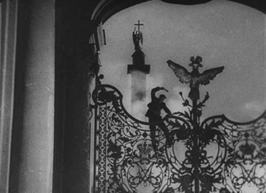 Image from the silent film October.