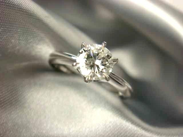 お義母様のダイヤモンドリング