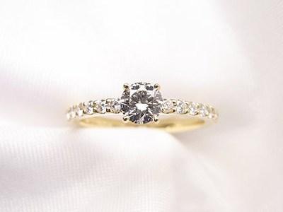 お母様の0.2ctUP立爪ダイヤモンドリングをリフォーム【神戸 元町】