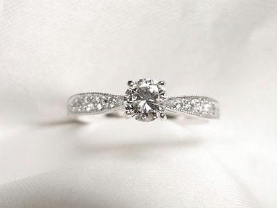ご家族から受け継がれた0.22ctダイヤモンドをご婚約指輪へリフォーム【神戸 元町】