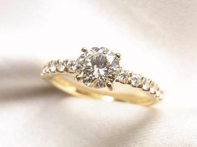 0.5ctUPご家族のダイヤモンドリングをK18製ご婚約指輪へリフォーム【神戸 元町】