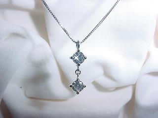 ☆リフォーム☆ ダイヤモンド ツーストーンペンダント