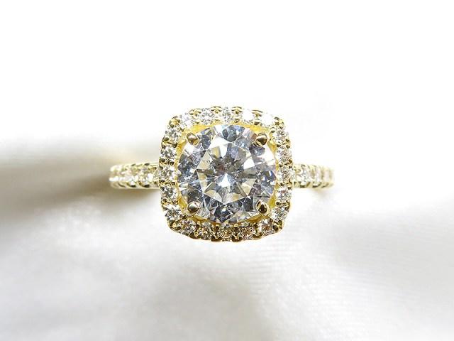 祖母の1ctダイヤをスクエアのエンゲージリングへリフォーム