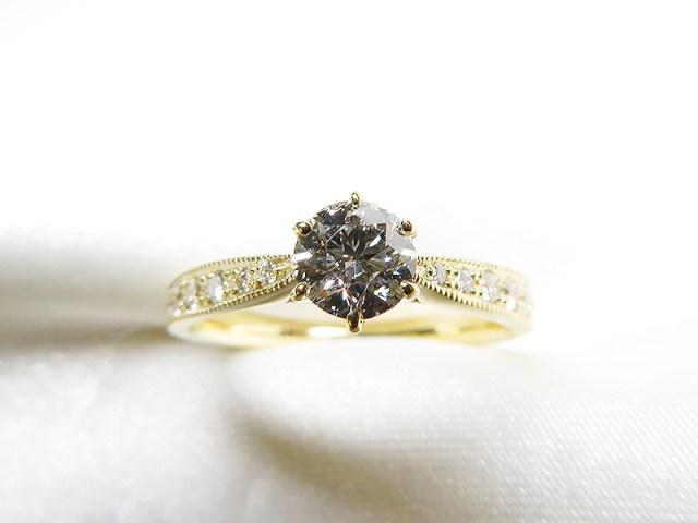 ご家族のダイヤをご婚約さまのエンゲージリングへリフォーム