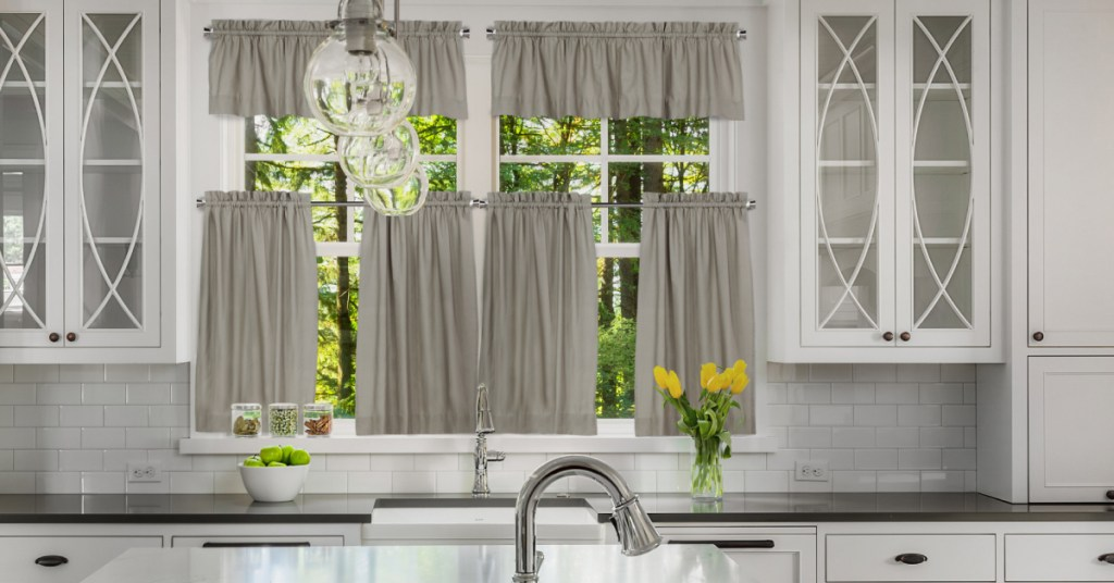 Opening Up & Brightening Your Kitchen Space Through Décor