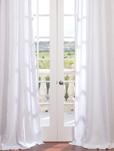 A Return to the Classics: 3 Reasons White May Be the Perfect Color for Your Curtains