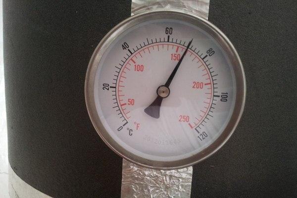 Termometro Bimetal instalado en Olla