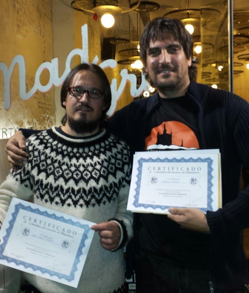 Aitor y Anselmo con sus diplomas de primer puesto