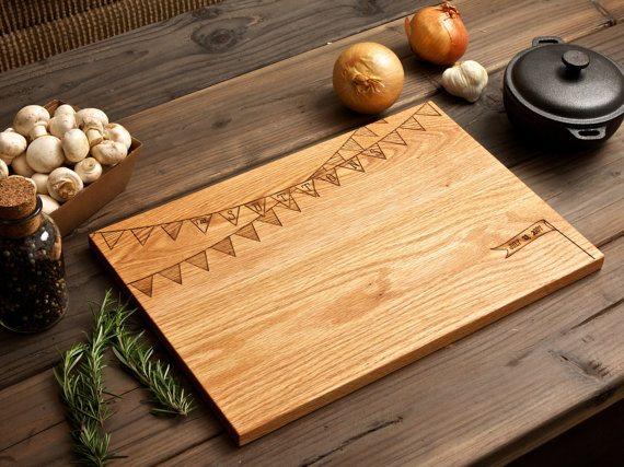 Idée cadeau une planche personnalisée # Planche À Découper Personnalisée Bois