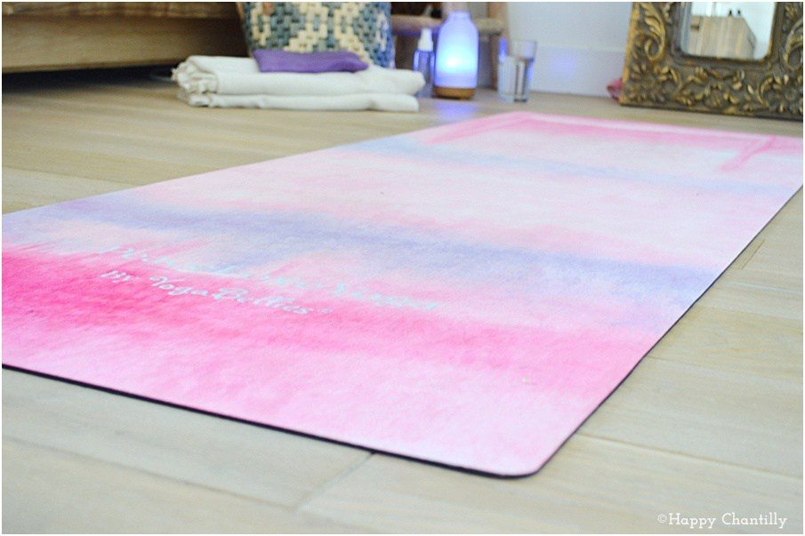 comment laver son tapis de yoga naturellement happy chantilly. Black Bedroom Furniture Sets. Home Design Ideas