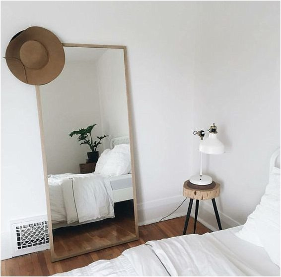 une d co minimaliste happy chantilly. Black Bedroom Furniture Sets. Home Design Ideas