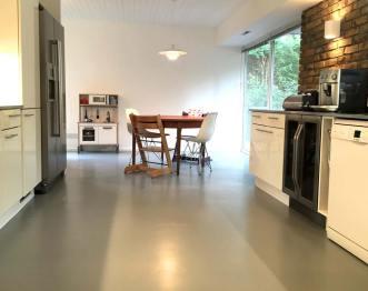 Grey rubber kitchen floor