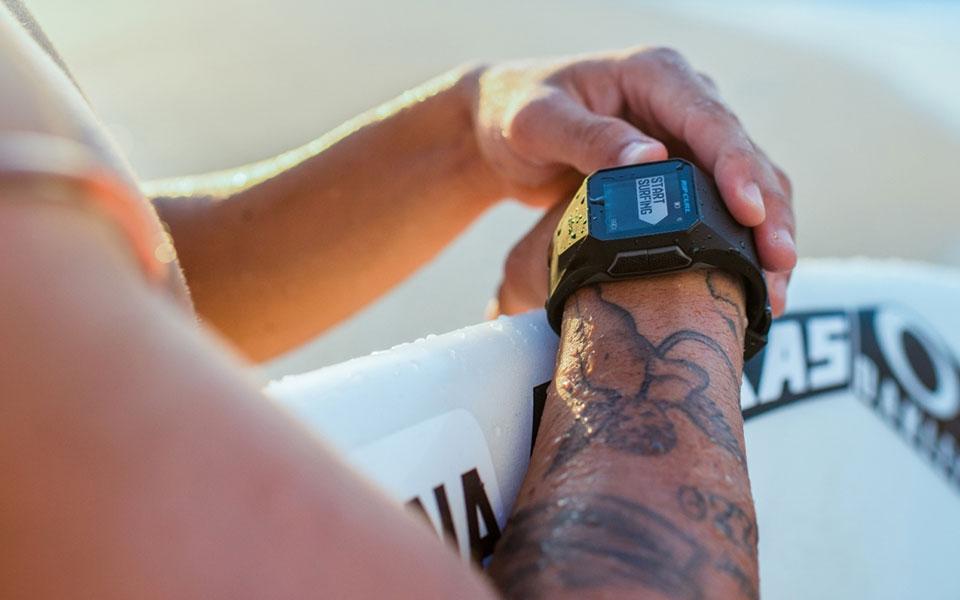 Relógio de surf: a nova tendência que está agitando o esporte