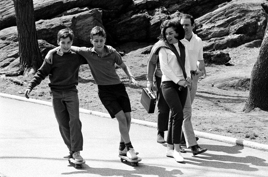 skate cruiser sidewalksurfing