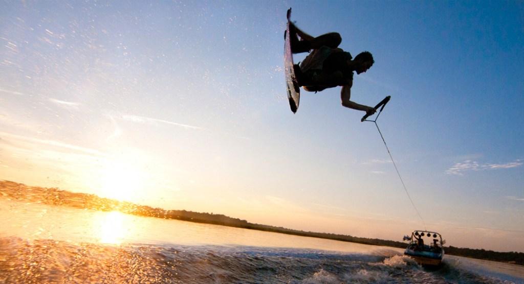 Wakeboard- um dos esportes radicais