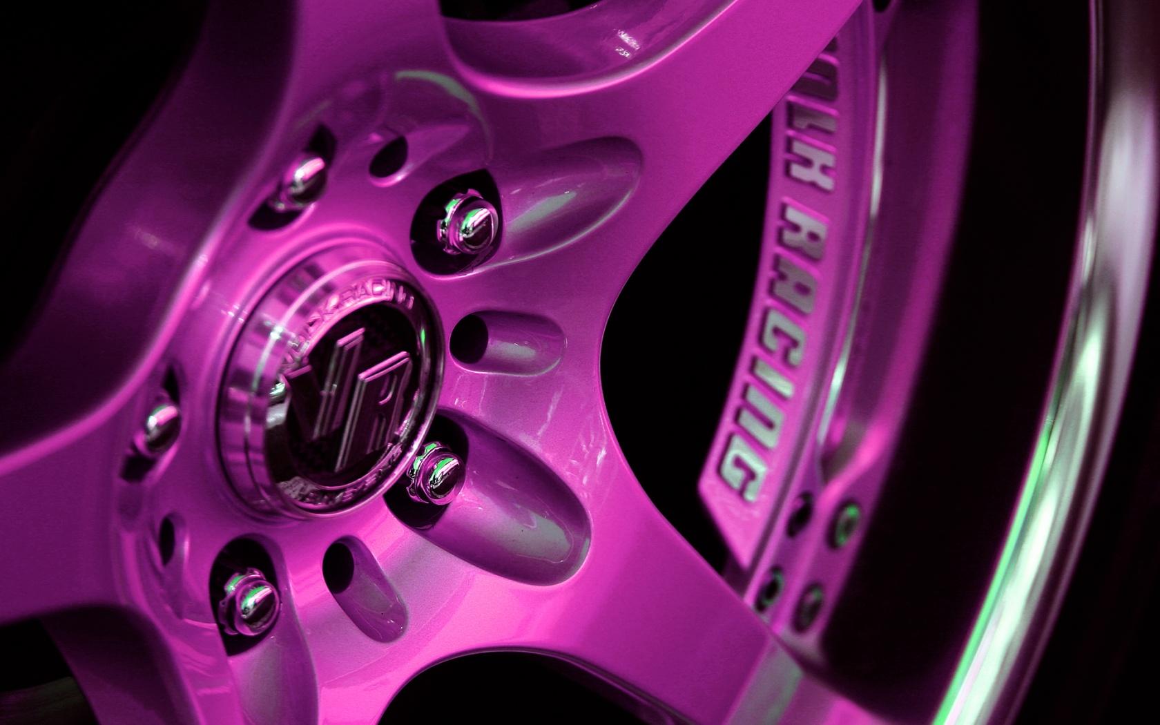 6 Fantastic HD Car Rim Wallpapers