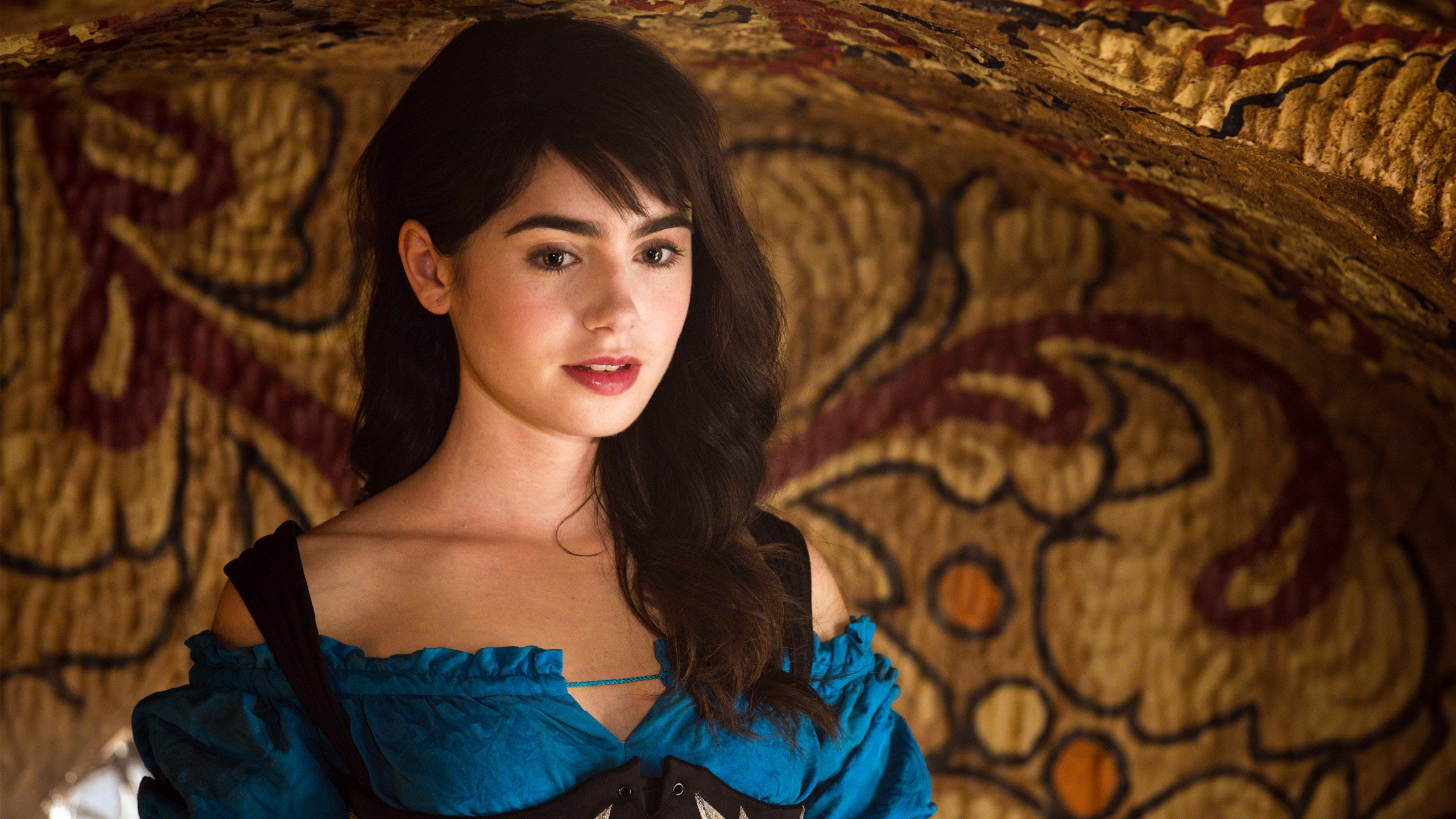 Cute Wallpaper With White Background 29 Beautiful Hd Lily Collins Wallpapers