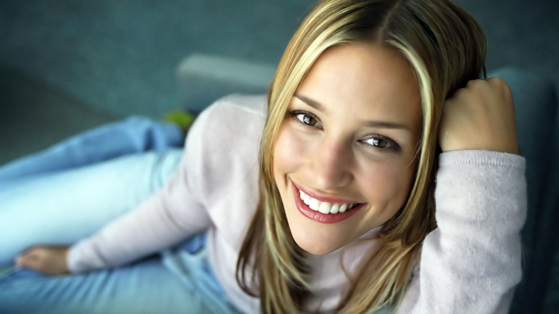 Images Of Cute Background Wallpapers 6 Hd Piper Perabo Wallpapers Hdwallsource Com