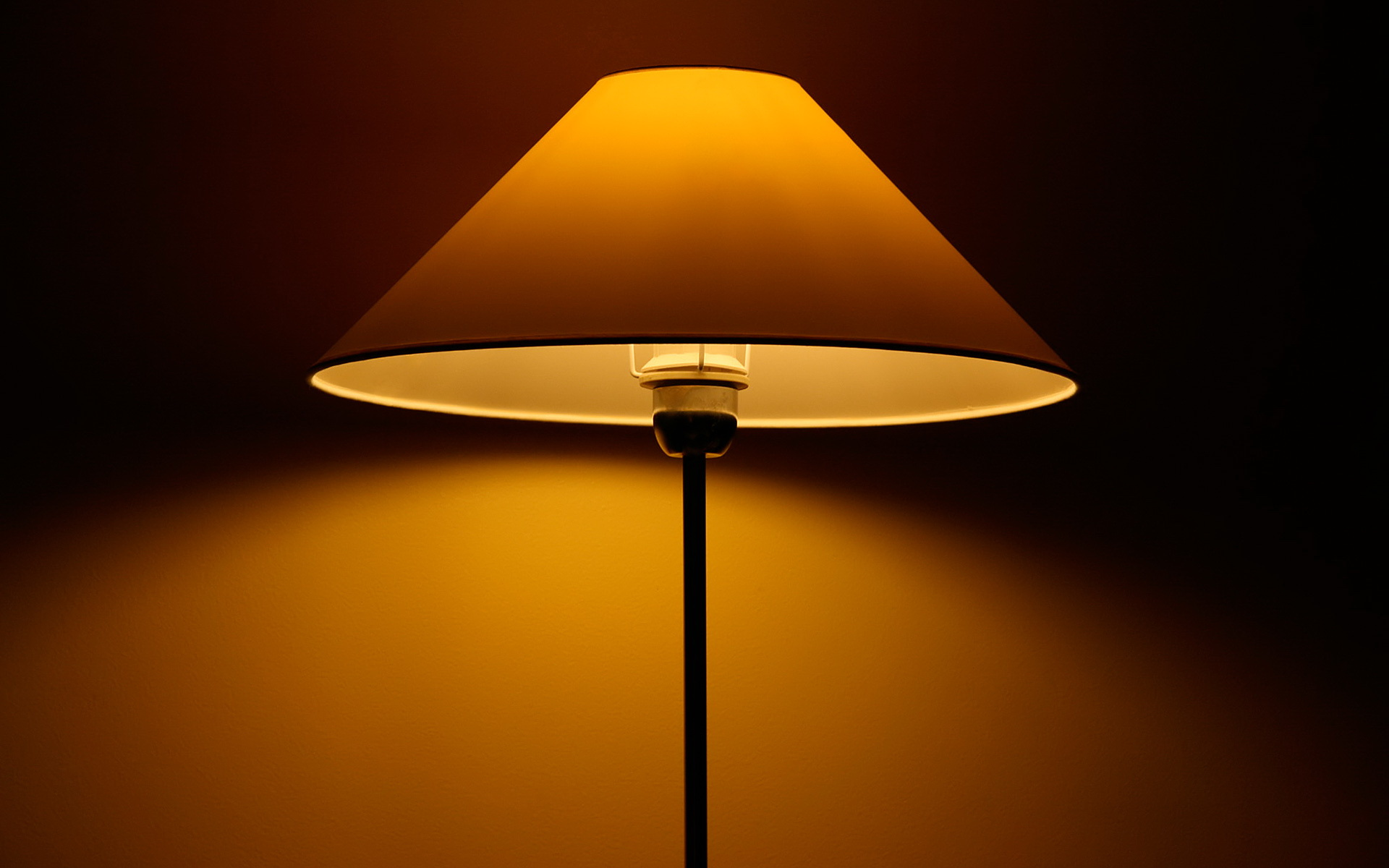 24 Wonderful HD Lamp Wallpapers