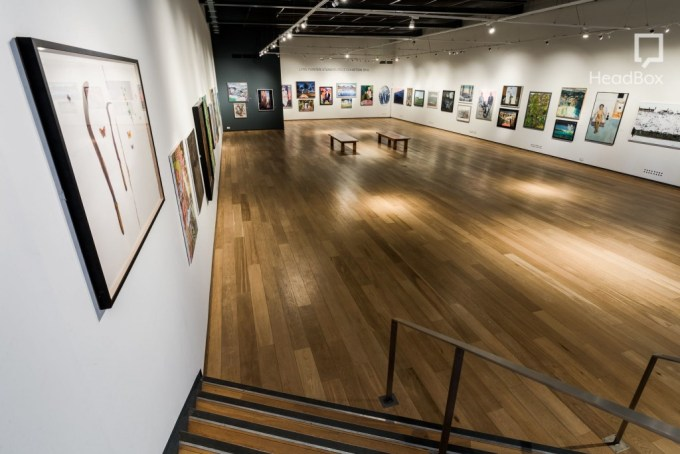 big white gallery at mall galleries
