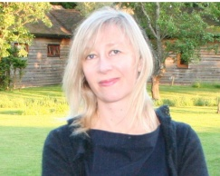 Photo of the author, Susan Tomlinson