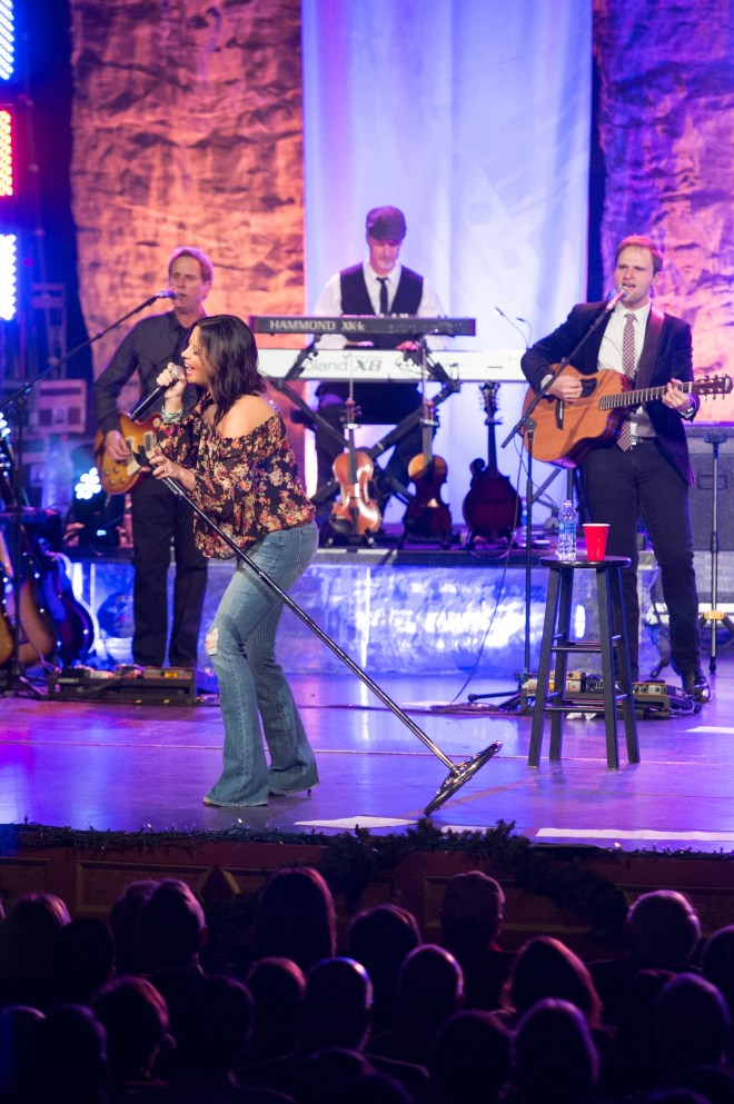 Sara Evans 2014 Christmas Concert at the Alabama Theatre in Birmingham Alabama