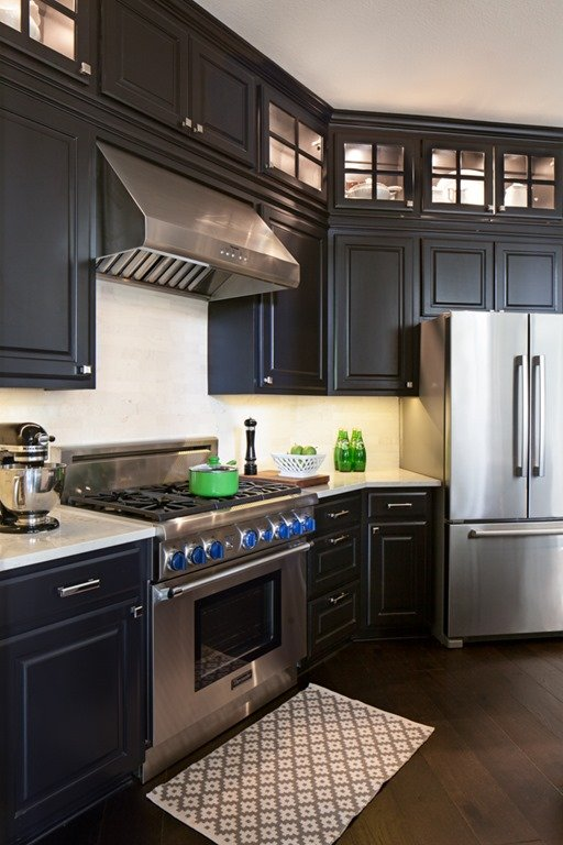 BEFORE  AFTER BLACK KITCHEN CABINETS  BREAKFAST ROOM
