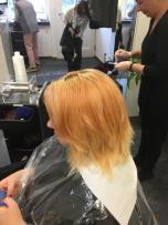 Zwischenschritt von rot auf blond