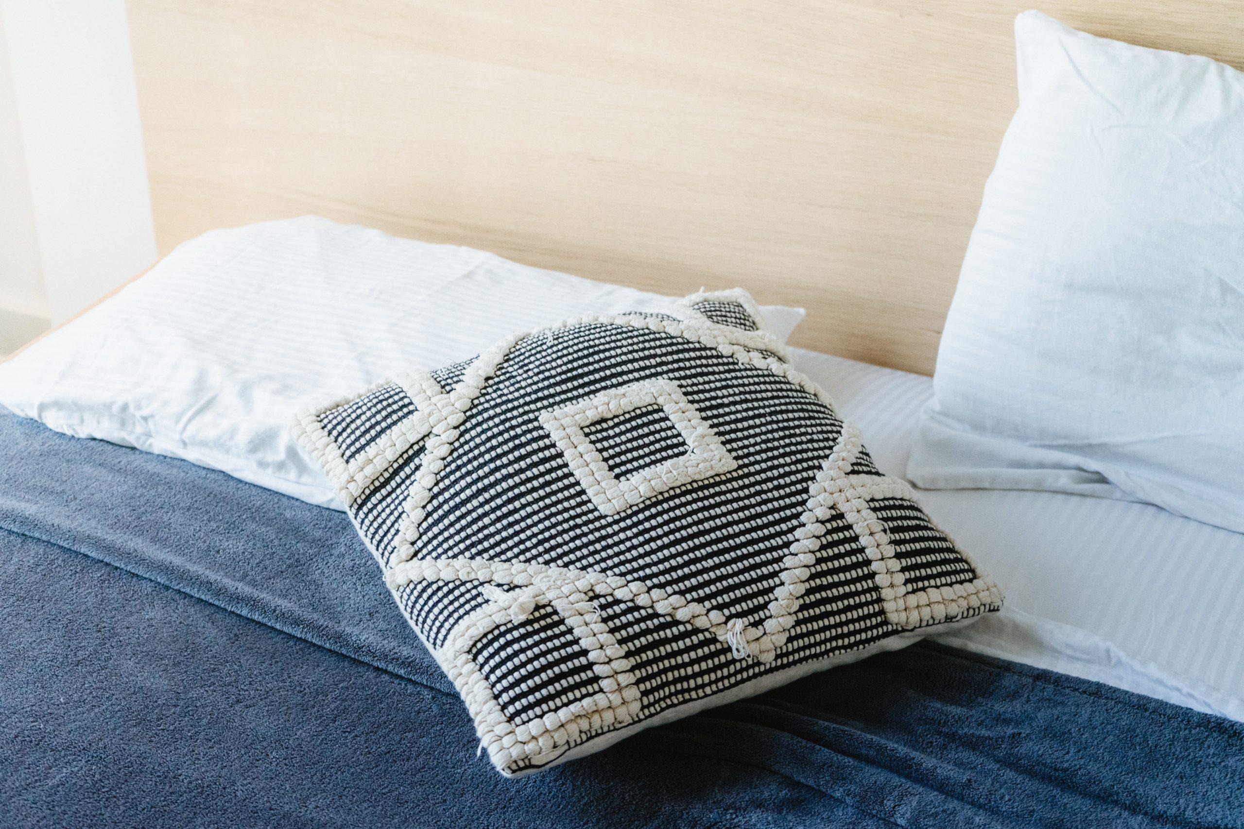 pillow size guide standard queen