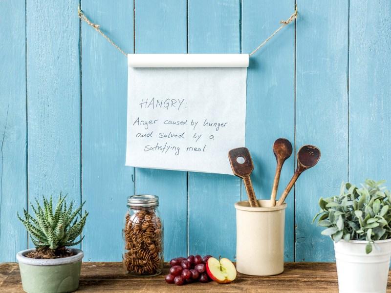 Kitchen DIY Reminder Roll