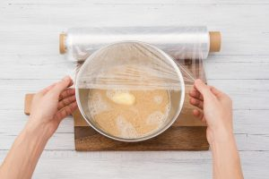 Couscous_butter_pot_cover_cling film_HF150901-R06_DE_W40_STEP3_high