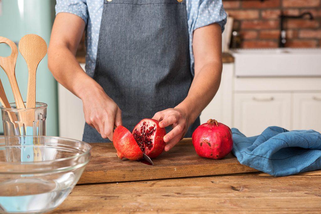 Vorhang auf für den Granatapfel: Entkernen 1