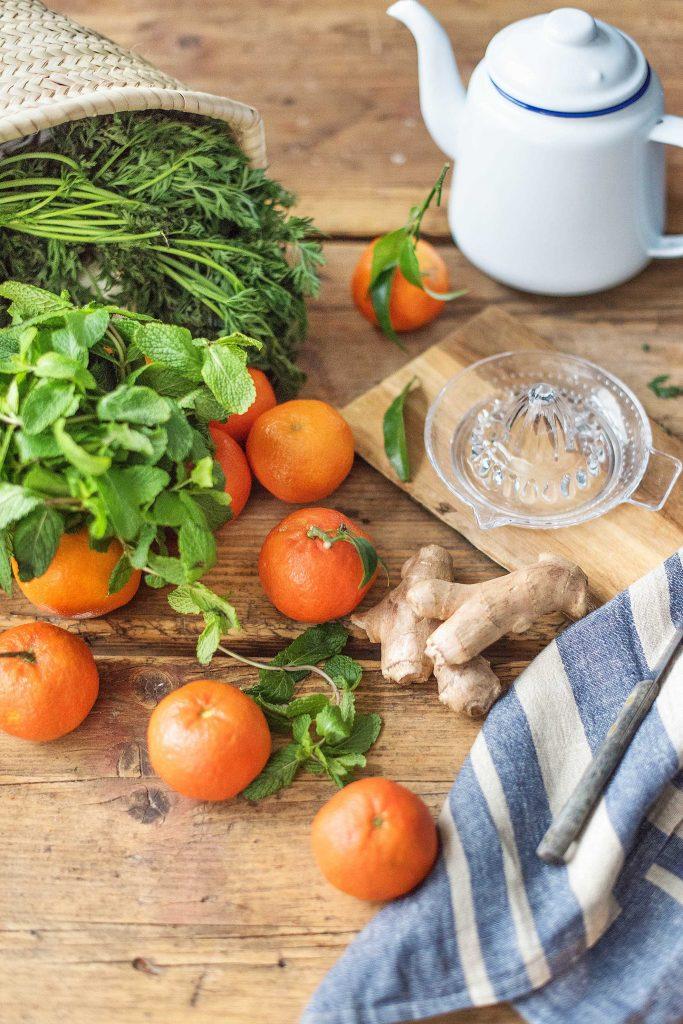 Frisch vom Markt: Zutaten für Mandarinen-Ingwer-Minze Tee