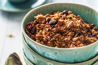 4 Granola Recipes To Jump Out Of Bed For