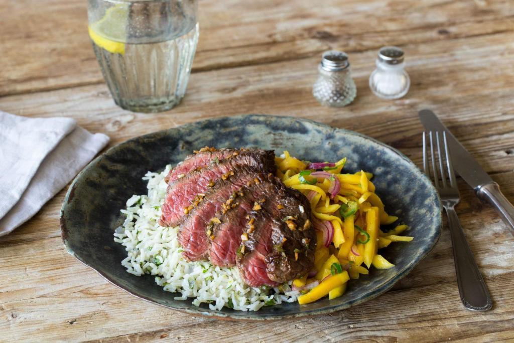 cilantro recipes-reservation-in-HelloFresh-serrano-steak