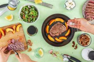 20-Min-meals-HelloFresh-steak-nectarine-salad
