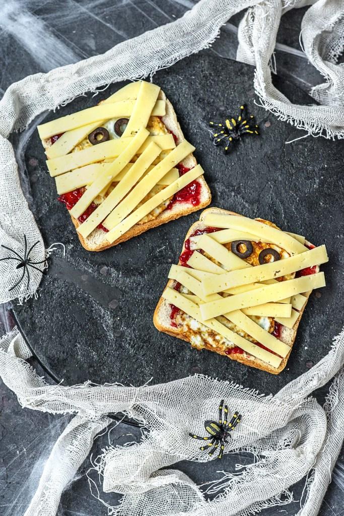 easy egg recipes-Halloween-HelloFresh-mummy-toast