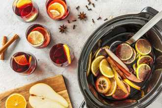 How to Make Spiced Wine in a Slow Cooker