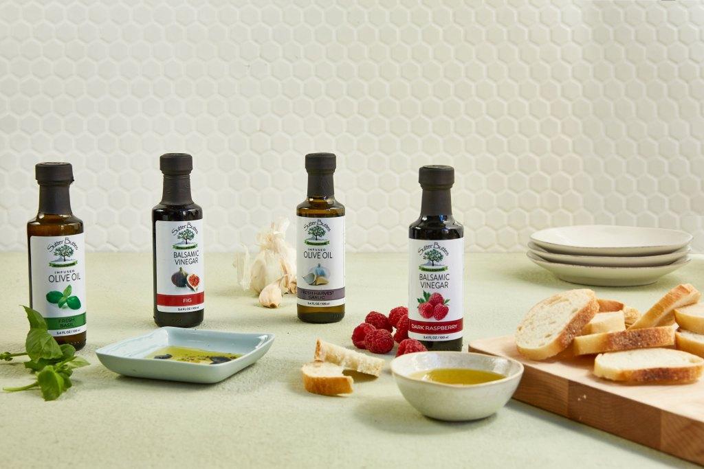 kitchen essentials-infused-oil-vinegar-kit-HelloFresh-Kitchenware