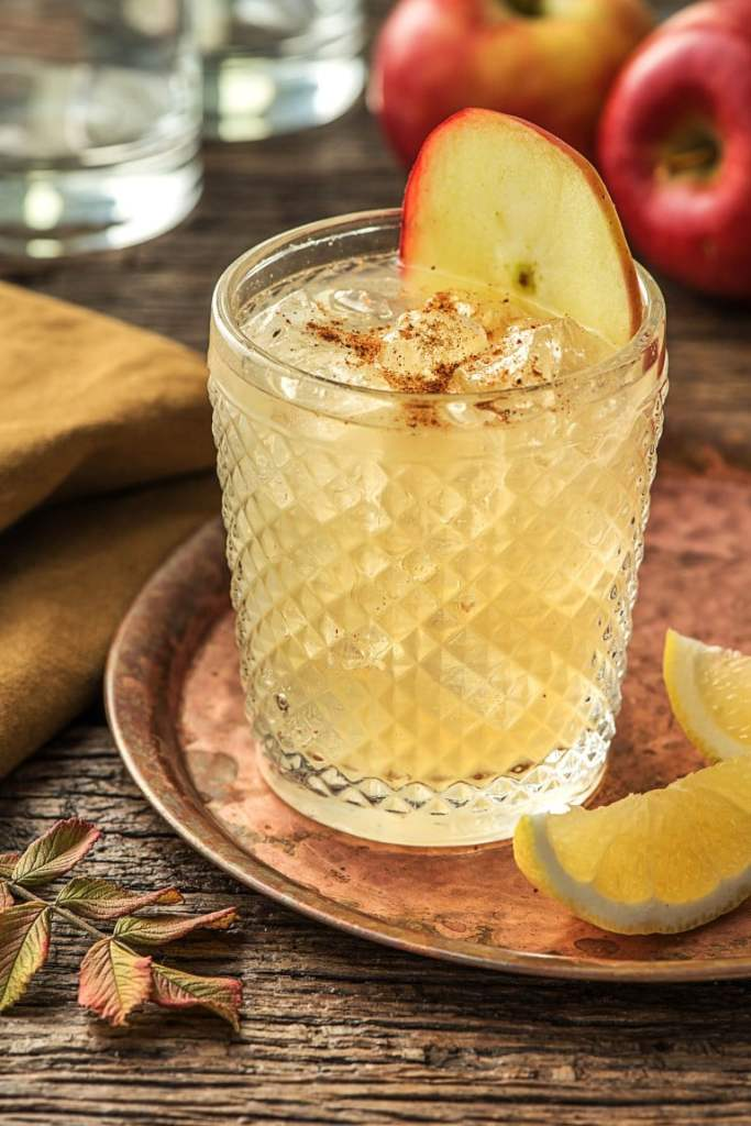 holiday drinks-apple-gin-HelloFresh
