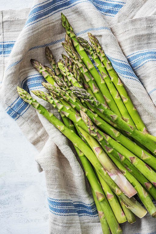the zodiac signs-HelloFresh-spring-veggies-leo-asparagus