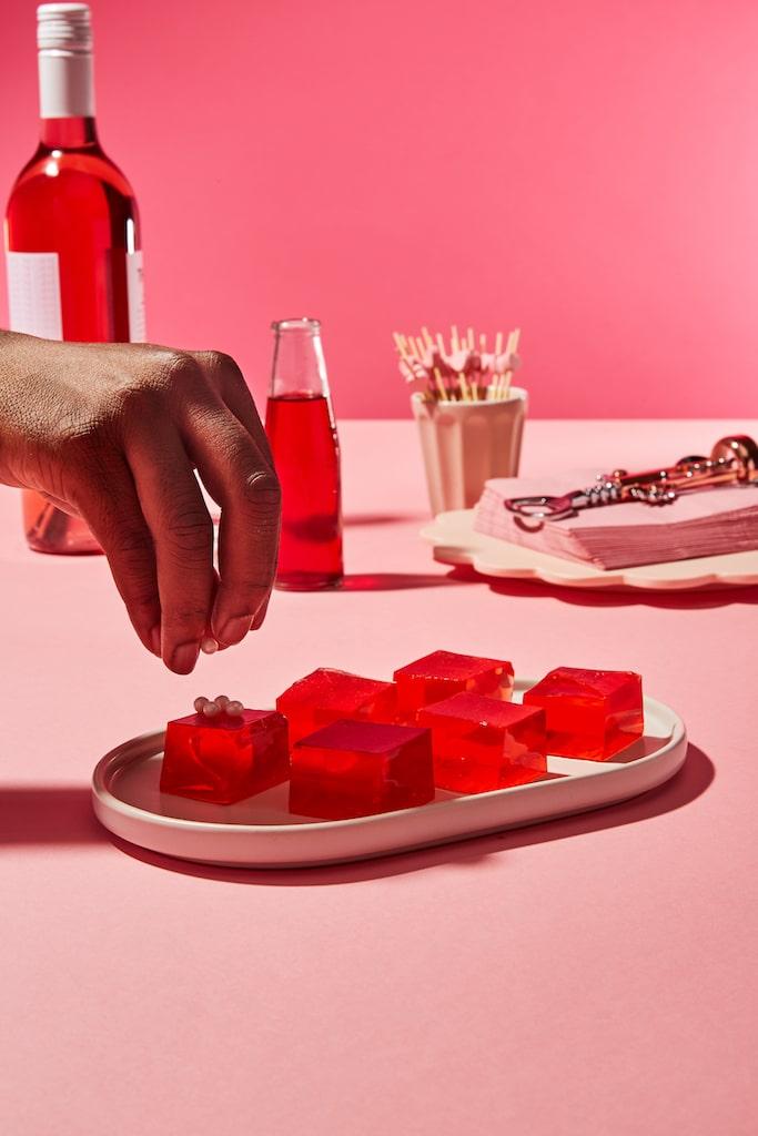 rosé-cocktails-HelloFresh-Wine-Club-rosé-jello-shots
