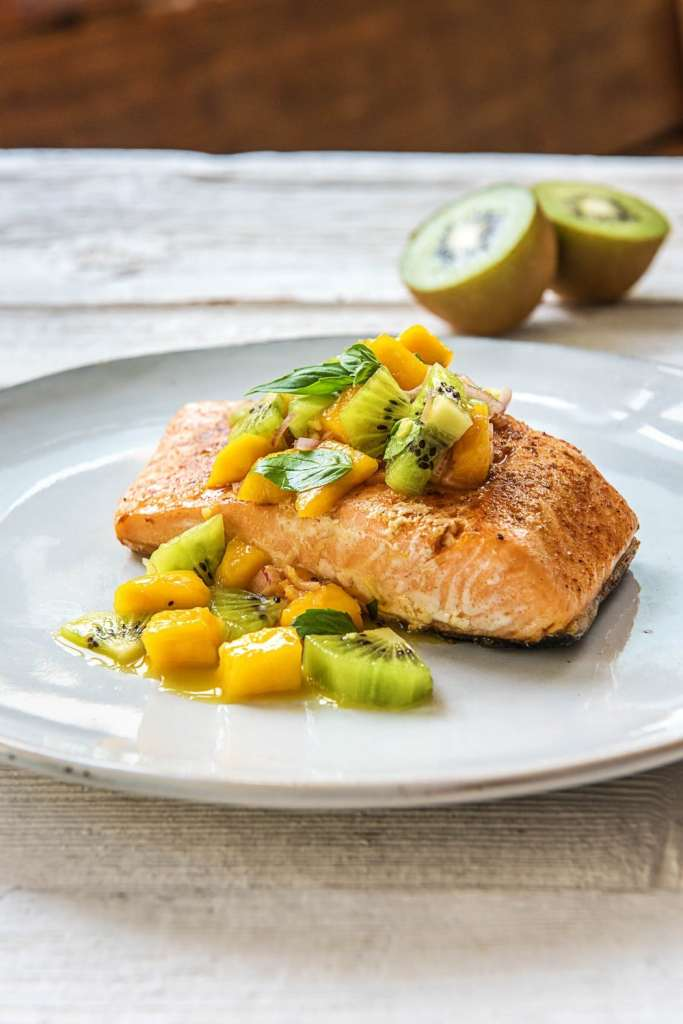 summer party-tips-tricks-recipes-HelloFresh-salmon-fruit-salsa-mango-kiwi