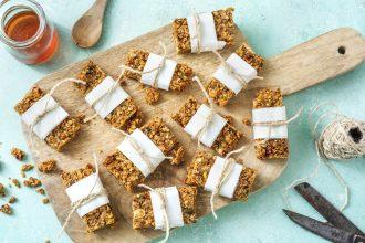 how to make granola bars-HelloFresh