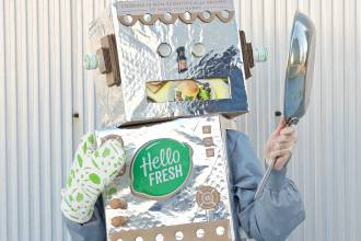 How To Recycle Your HelloFresh Box Into An Easy Halloween Costume